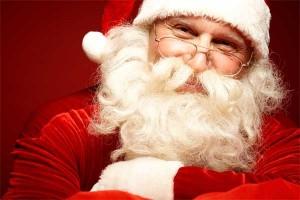 サンタさんは髭を生やした老人と言われていますね。
